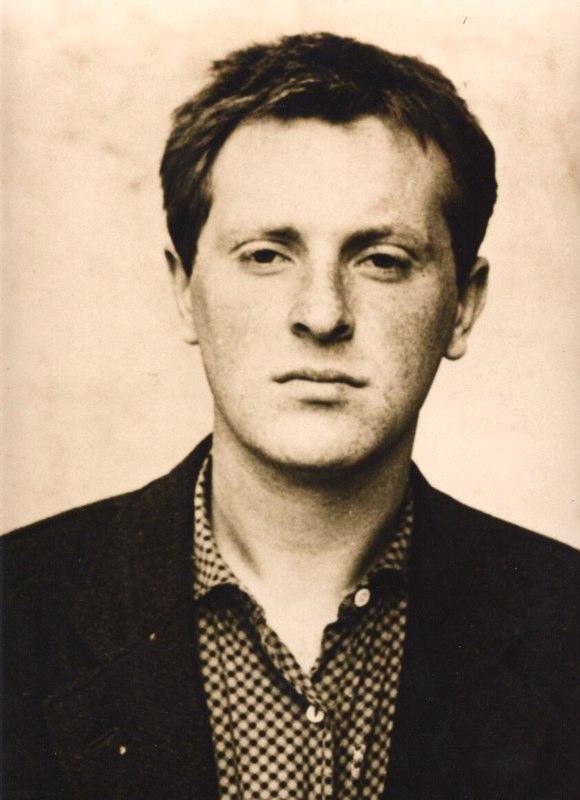 """Josif Brodski w młodości. Autor nieznany. Fotografia dzięki uprzejmości """"Zeszytów Literackich"""", których Brodski był współredaktorem."""