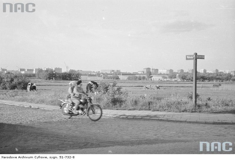 NAC, Archiwum Fotograficzne Zbyszka Siemaszki Sygnatura: 51-732-8. (Zdjęcie z okresu 1954-1965)